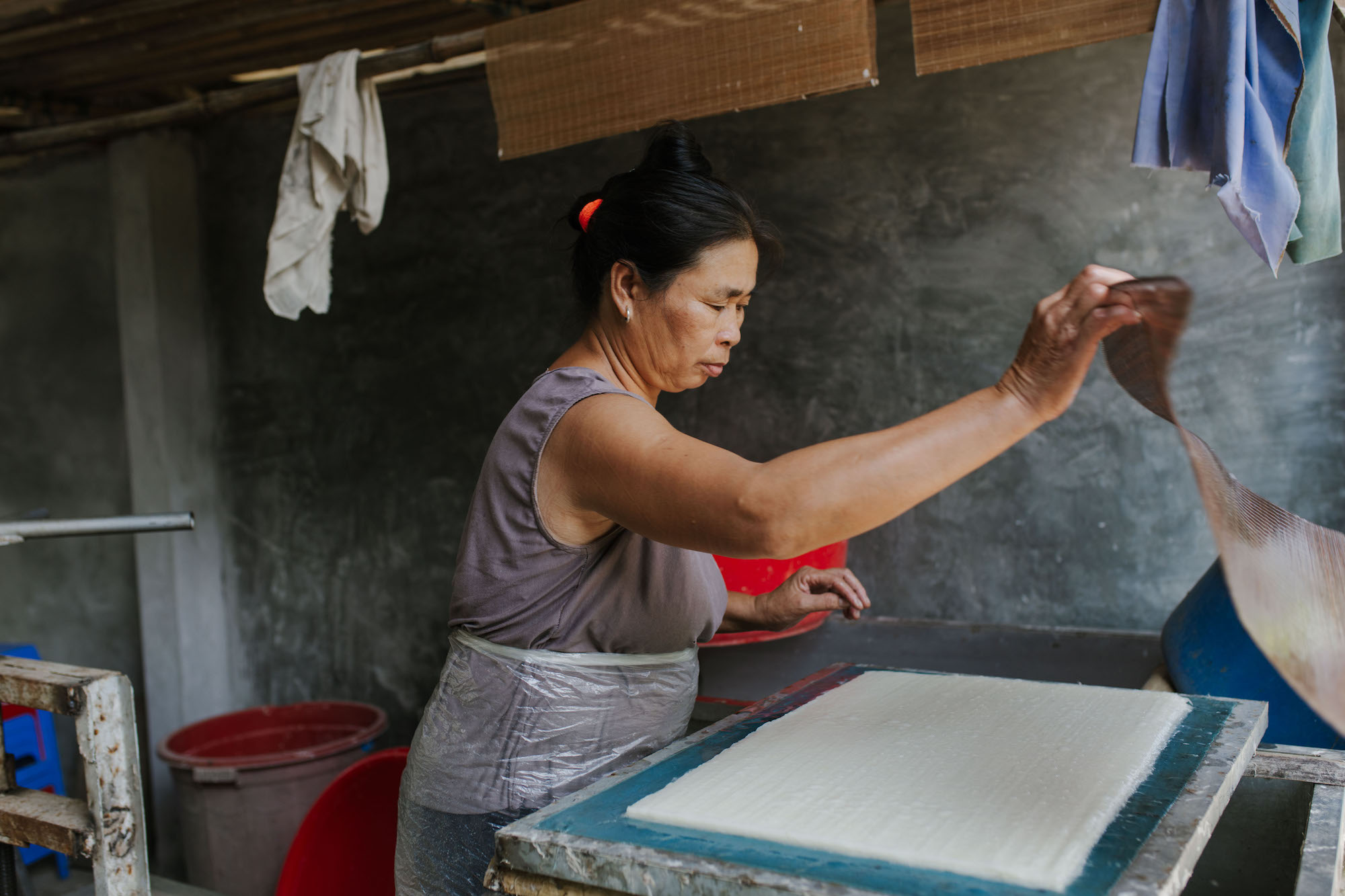 Making paper with Zó Project, Vietnam